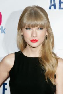 Harry styly hovoří o randění s Taylorem
